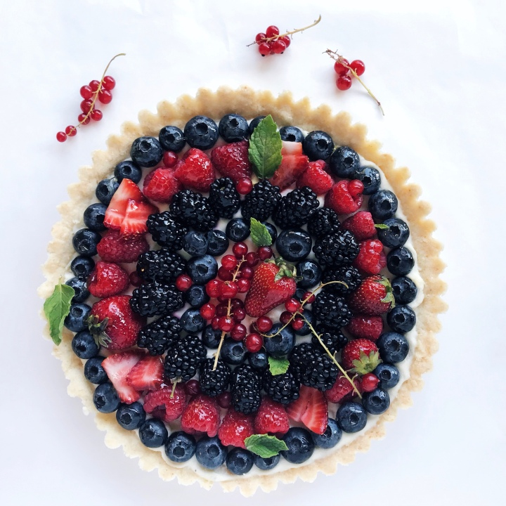 Summer berry tart with mascarpone and lime